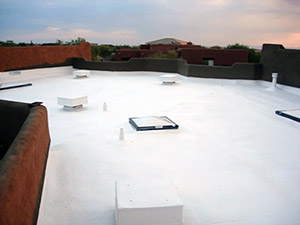 spray foam roofing with additional strength